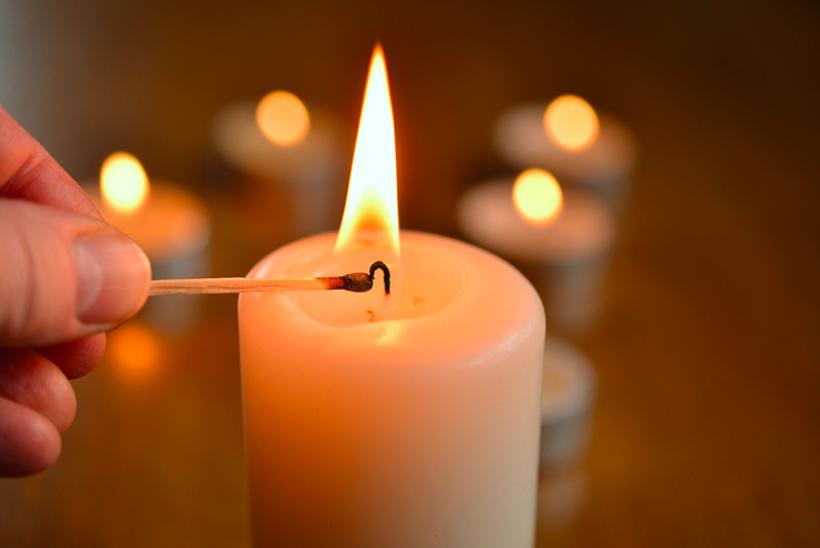Sytytä kynttilä
